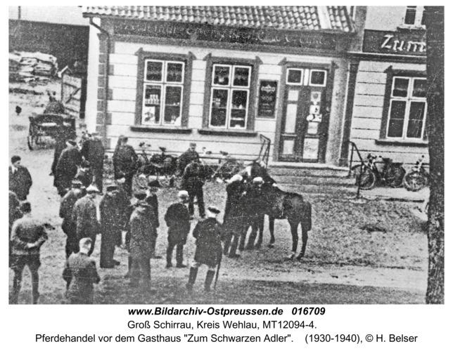 """Groß Schirrau, Pferdehandel vor dem Gasthaus """"Zum Schwarzen Adler"""""""