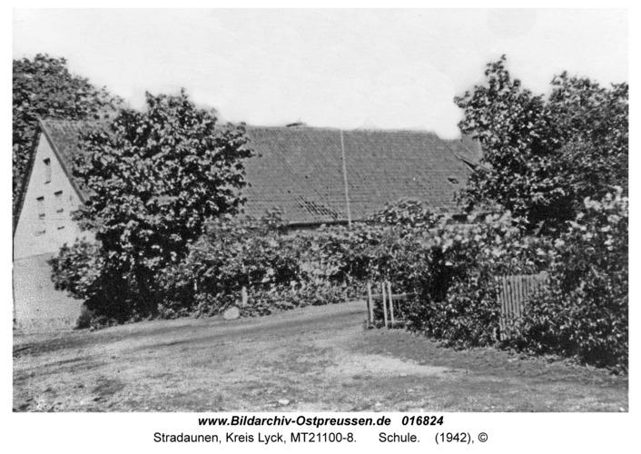 Stradaunen, Schule