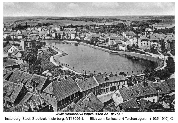 Insterburg, Blick zum Schloss und Teichanlagen
