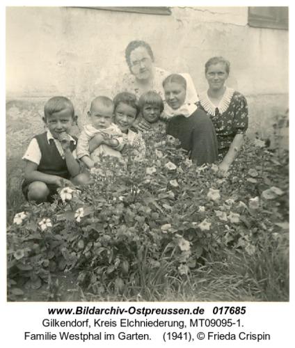 Gilkendorf, Familie Westphal im Garten