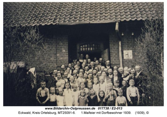 Eckwald, 1.Maifeier mit Dorfbewohner 1939