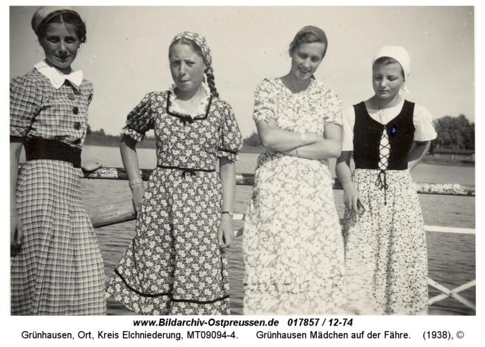 Grünhausen Mädchen auf der Fähre