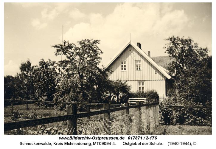 Schneckenwalde, Ostgiebel der Schule