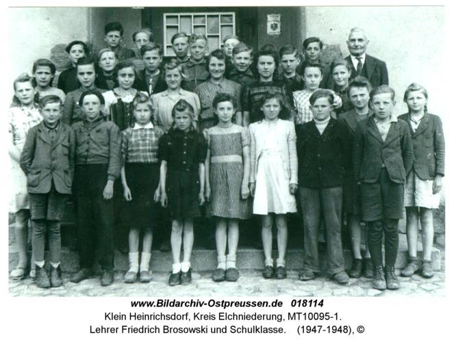 Klein Heinrichsdorf, Lehrer Friedrich Brosowski und Schulklasse