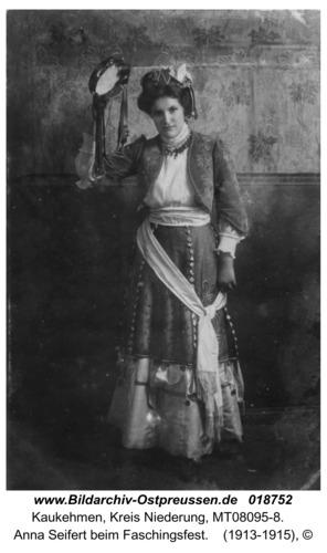 Kuckerneese, Anna Seifert beim Faschingsfest