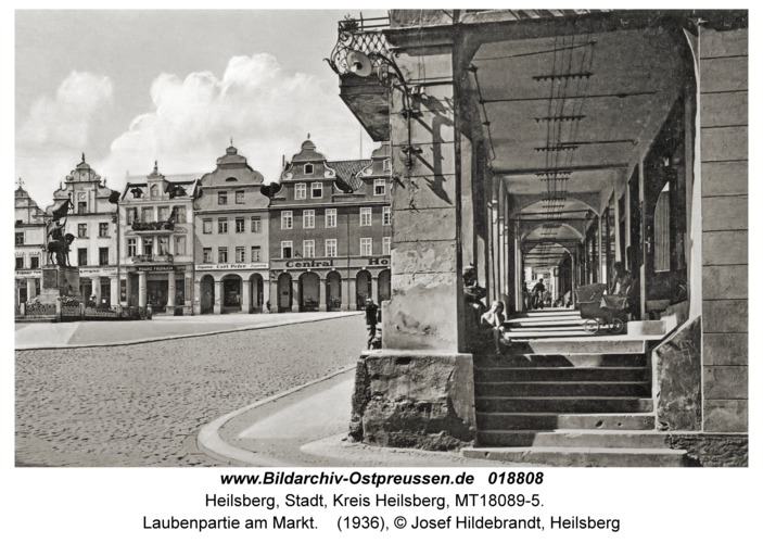 Heilsberg, Laubenpartie am Markt