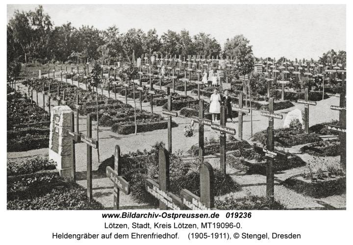 Lötzen, Heldengräber auf dem Ehrenfriedhof