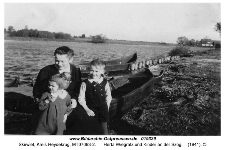 Skirwiet, Herta Wiegratz und Kinder an der Szog