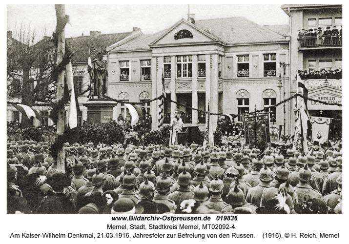 Memel, Am Kaiser-Wilhelm-Denkmal, 21.03.1916, Jahresfeier zur Befreiung von den Russen