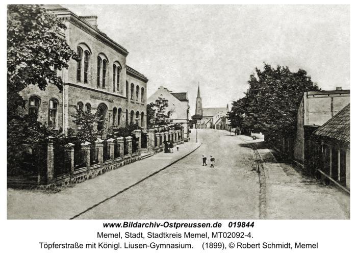 Memel, Töpferstraße mit Königl. Liusen-Gymnasium