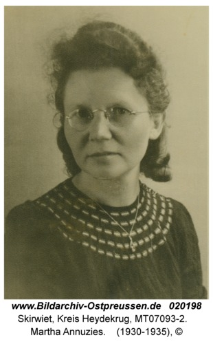 Skirwiet, Martha Annuzies