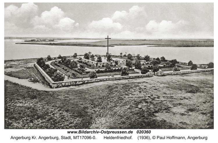 Angerburg, Heldenfriedhof