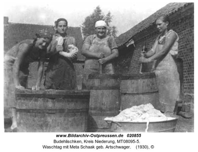 Budehlischken, Waschtag mit Meta Schaak geb. Artschwager
