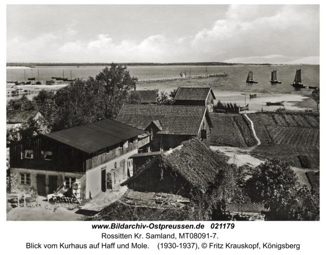 Rossitten Kr. Samland, Blick vom Kurhaus auf Haff und Mole
