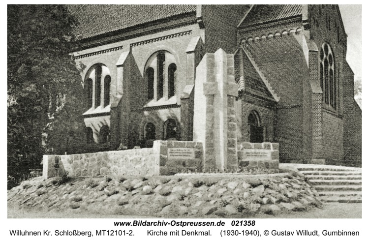 Willuhnen Kr. Schloßberg, Kirche mit Denkmal