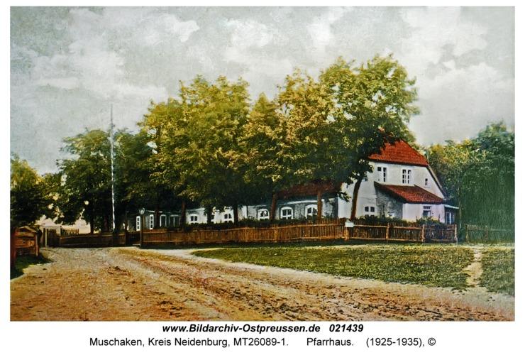 Muschaken, Pfarrhaus