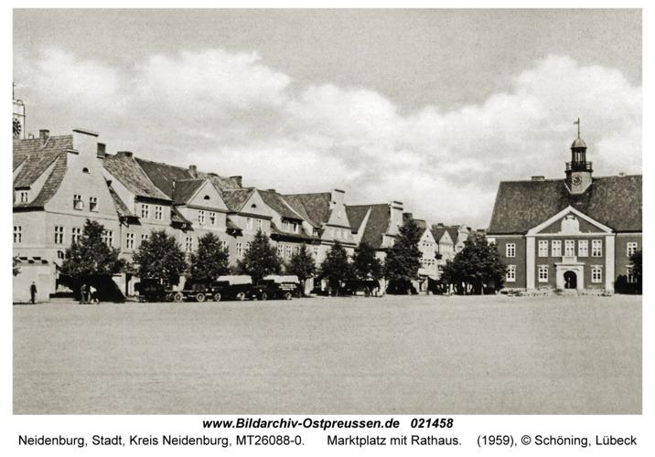 Neidenburg, Marktplatz mit Rathaus