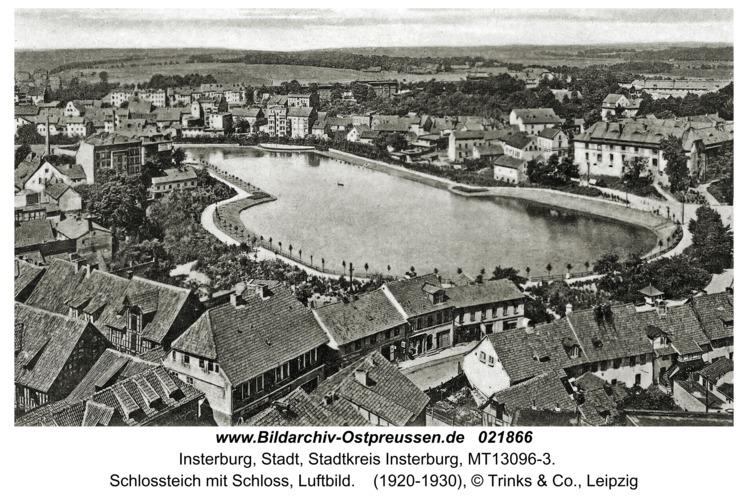 Insterburg, Schlossteich mit Schloss, Luftbild