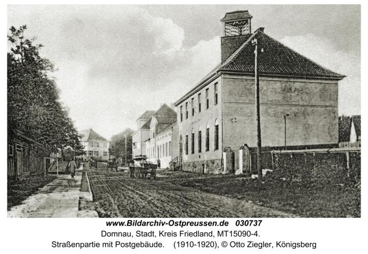 Domnau, Straßenpartie mit Postgebäude