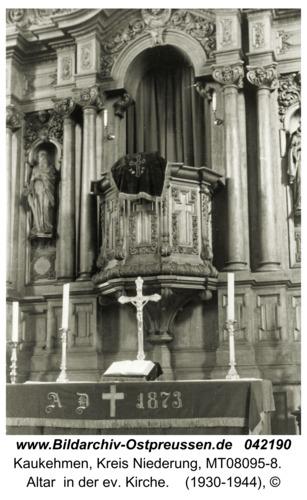 Kuckerneese, Altar  in der ev. Kirche