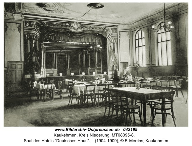 """Kaukehmen, Saal des Hotels """"Deutsches Haus"""""""
