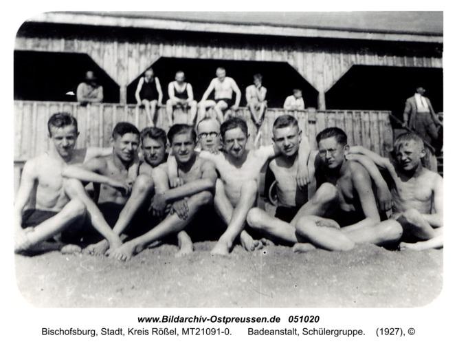 Bischofsburg, Badeanstalt, Schülergruppe