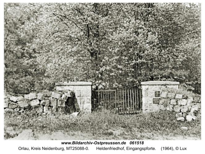 Orlau, Heldenfriedhof, Eingangspforte