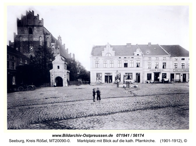 Seeburg, Marktplatz mit Blick auf die kath. Pfarrkirche
