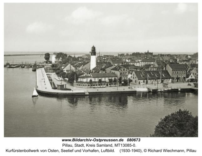 Pillau, Kurfürstenbollwerk vom Osten, Luftbild