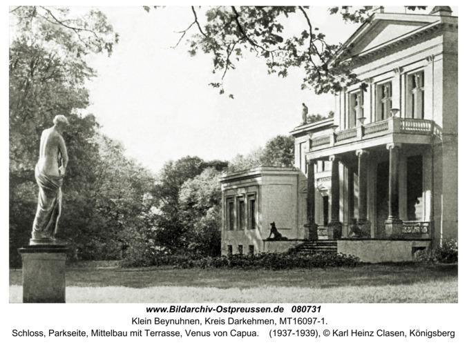 Klein Beynuhnen, Schloss, Parkseite, Mittelbau mit Terrasse, Venus von Capua