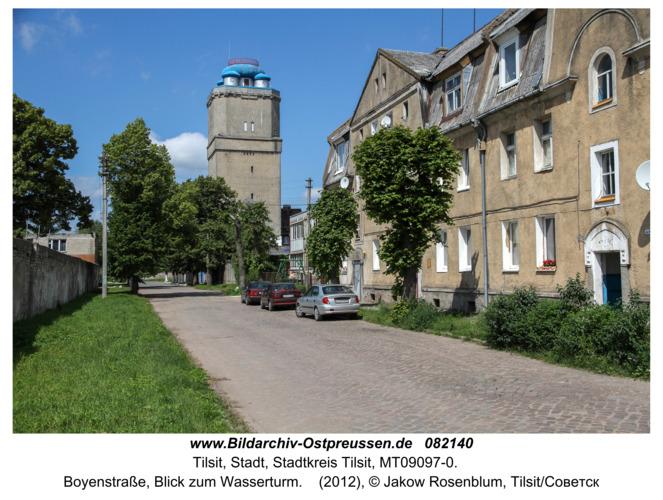 Tilsit (Советск), Boyenstraße, Blick zum Wasserturm