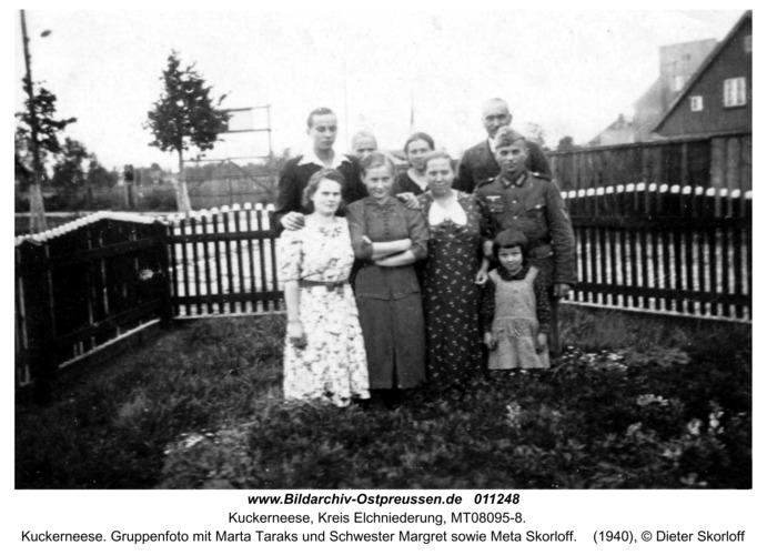Kuckerneese. Gruppenfoto mit Marta Taraks und Schwester Margret sowie Meta Skorloff
