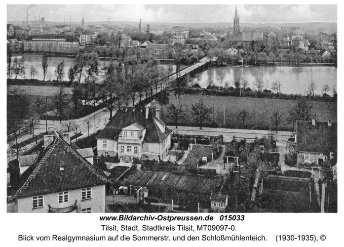 Tilsit, Blick vom Realgymnasium auf die Sommerstr. und den Schloßmühlenteich