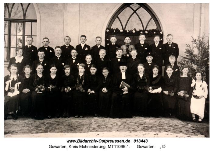 Gowarten, Konfirmandengruppe mit Pfarrer Daudert