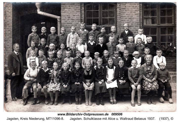 Jagsten. Schulklasse mit Alice u. Waltraud Belasus 1937