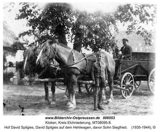 Kloken, Hof David Spilgies, David Spilgies auf dem Hehlwagen, davor Sohn Siegfried
