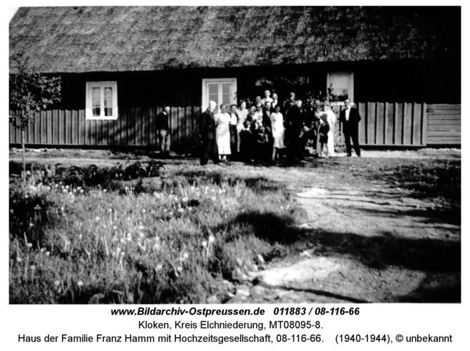 Kloken, Haus der Familie Franz Hamm mit Hochzeitsgesellschaft, 08-116-66