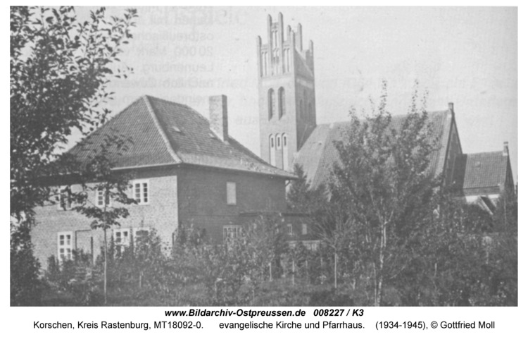 Korschen, evangelische Kirche und Pfarrhaus