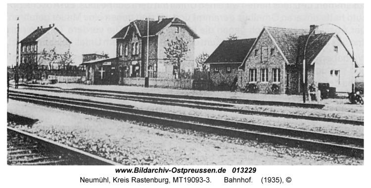 Neumühl, Bahnhof