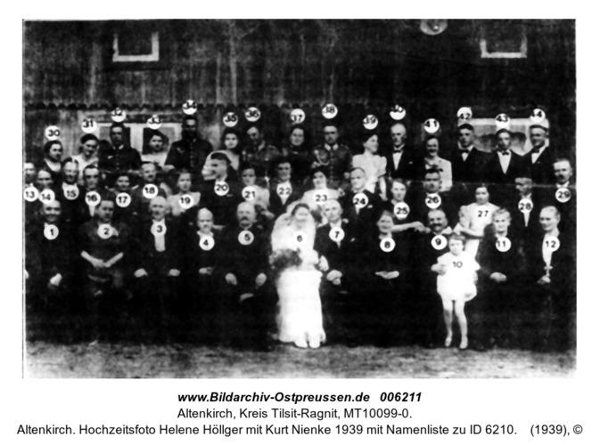 Altenkirch. Hochzeitsfoto Helene Höllger mit Kurt Nienke 1939 mit Namenliste zu ID 6210