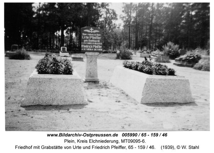 Plein, Friedhof mit Grabstätte von Urte und Friedrich Pfeiffer, 65 - 159 / 46