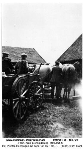 Plein, Hof Pfeiffer, Hehlwagen auf dem Hof, 65 -159 / 39