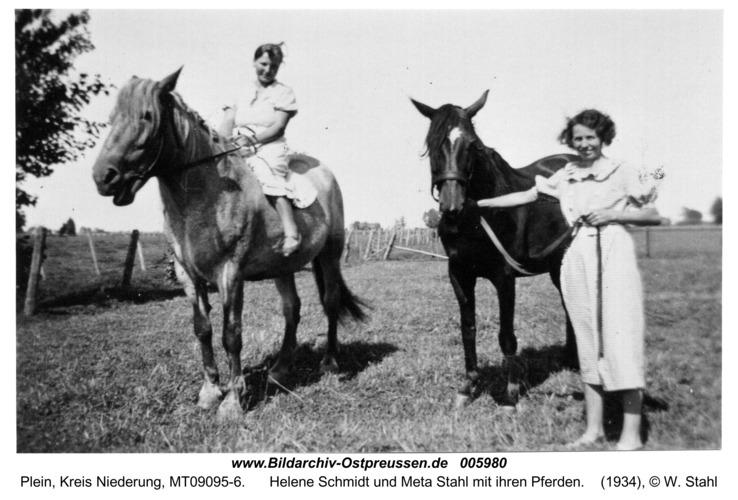 Plein, Helene Schmidt und Meta Stahl mit ihren Pferden