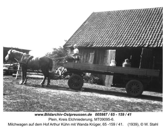 Plein, Milchwagen auf dem Hof Arthur Kühn mit Wanda Krüger, 65 -159 / 41