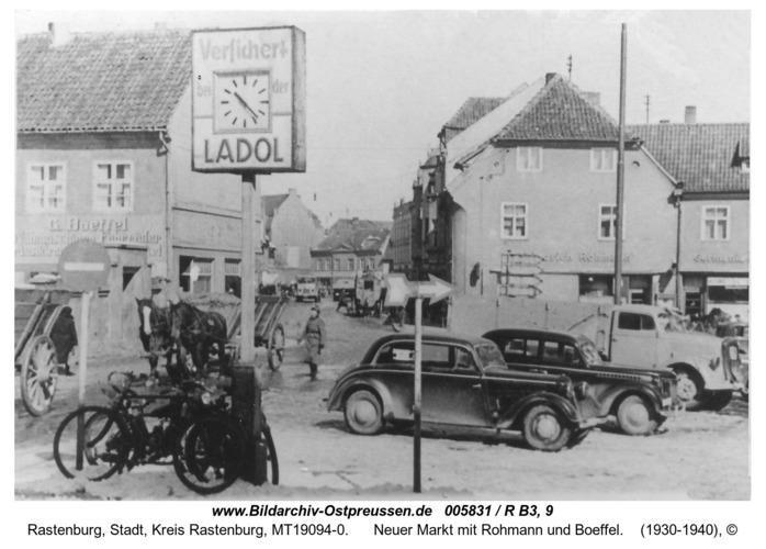 Rastenburg, Neuer Markt mit Rohmann und Boeffel