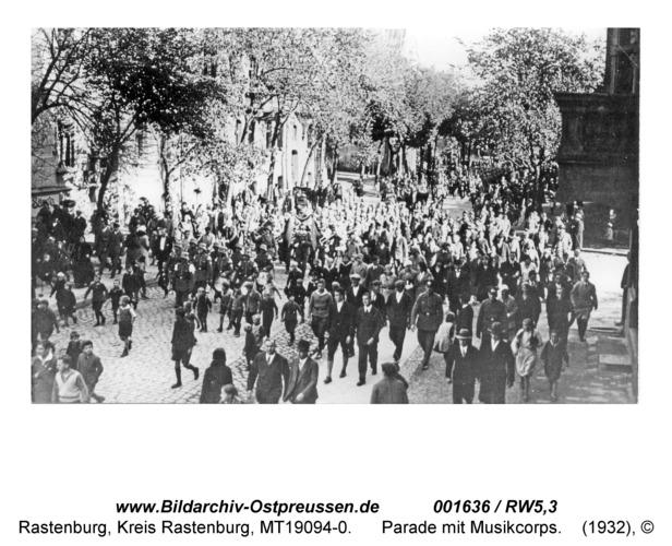 Rastenburg, Parade mit Musikcorps