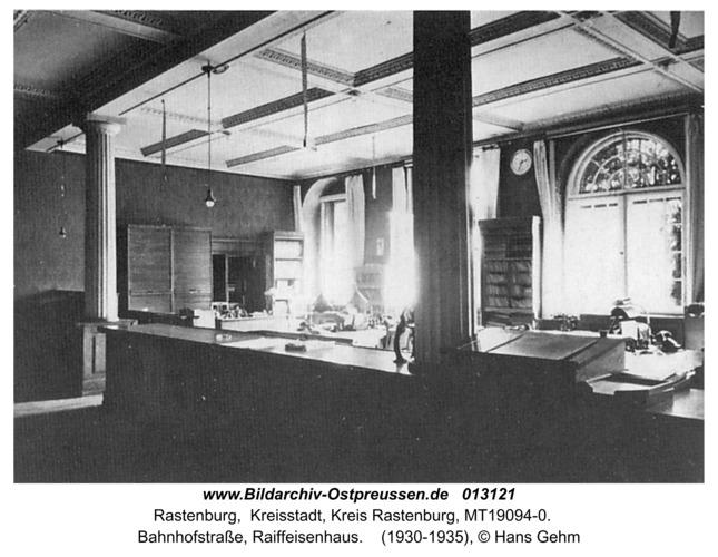 Rastenburg, Bahnhofstraße, Raiffeisenhaus