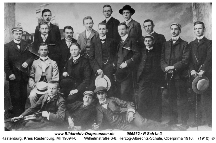 Rastenburg, Wilhelmstraße 6-8, Herzog-Albrechts-Schule, Oberprima 1910