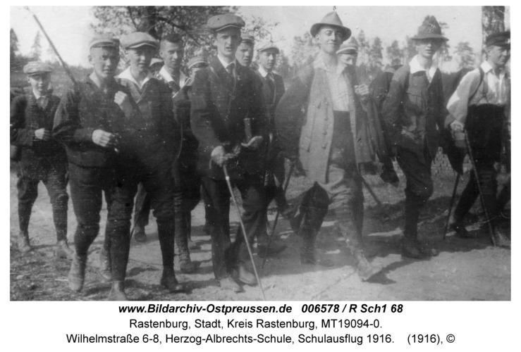 Rastenburg, Wilhelmstraße 6-8, Herzog-Albrechts-Schule, Schulausflug 1916