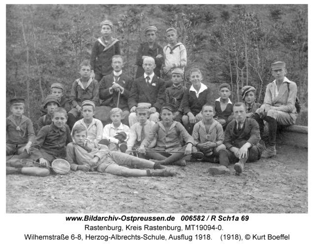 Rastenburg, Wilhelmstraße 6-8, Herzog-Albrechts-Schule, Schulausflug 1918